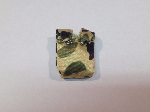 A064 Green Beret Canteen Holder