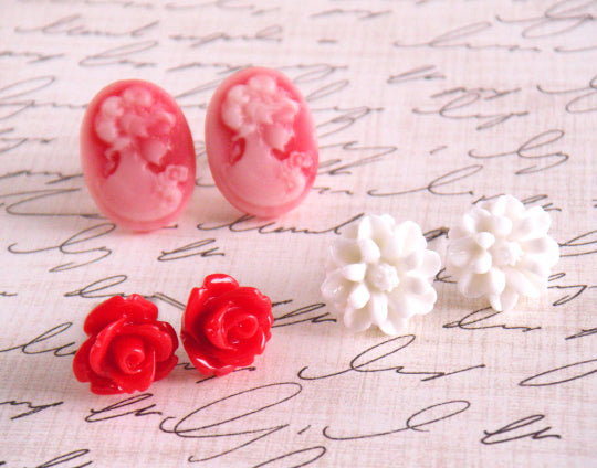 Bloom Stud Set ~ Red Lady Cameo