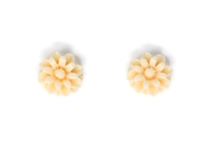 Single Bloom Studs ~ Peach Flower