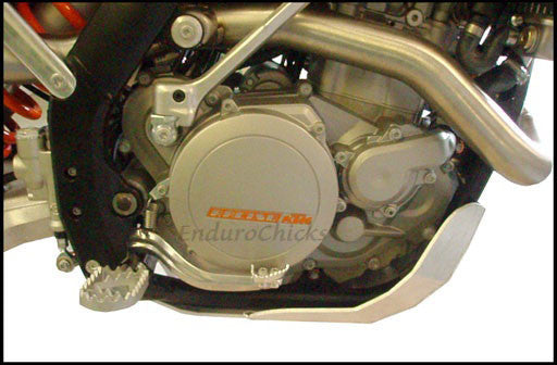 EnduroChicks - Shop for Ricochet Skid Plate, Part #466 - Mounting Pic 1 - KTM XC-F 450/505 (2009-2011)& SX-F 450/505 (2009-2010), Part #466