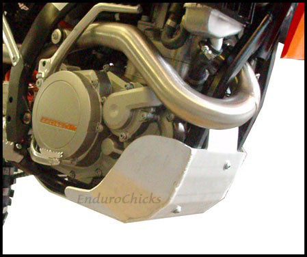 EnduroChicks - Shop for Ricochet Skid Plate, Part #466 - Mounting Pic 3 - KTM XC-F 450/505 (2009-2011)& SX-F 450/505 (2009-2010), Part #466