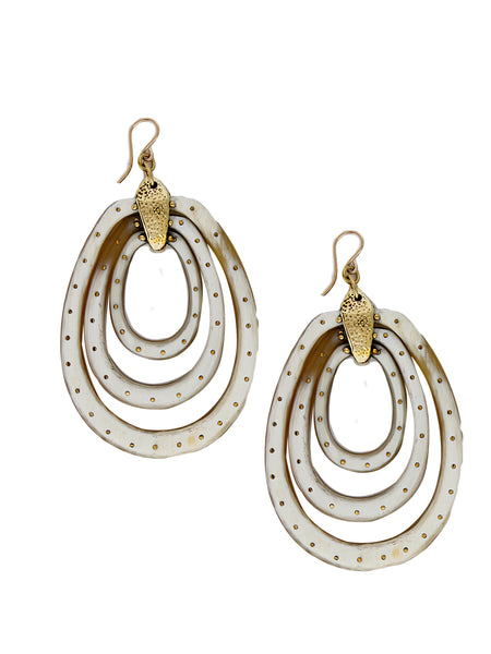 Wimbi Earring Light Horn