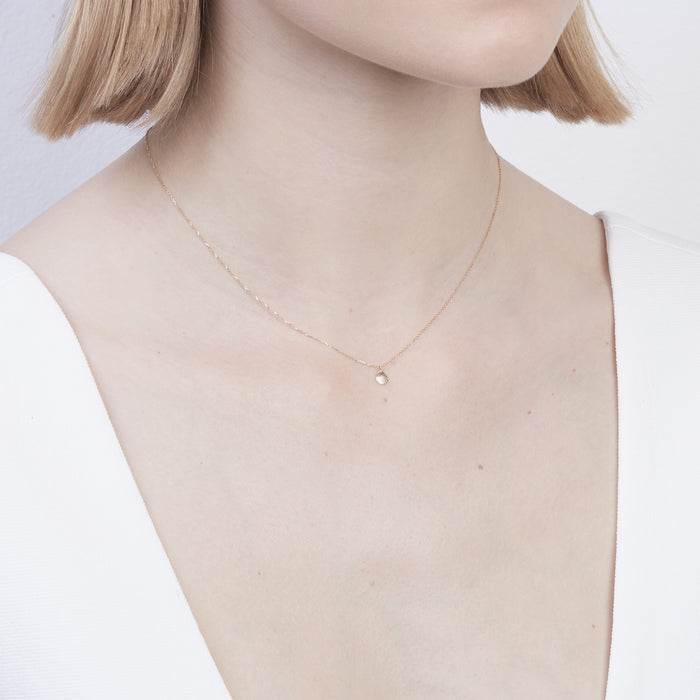 Shell Fine Chain Necklace Yellow Gold | SARAH & SEBASTIAN  hoverimage