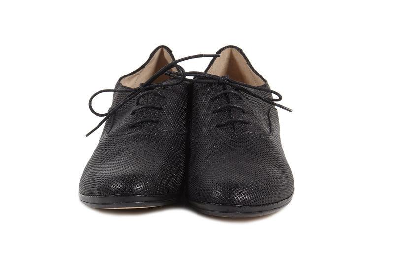 black perforated leather soft sacchetto women's  lace up oxford flat shoes in extended large sizes 9, 10, 11, 12, 13, 14 made in Italy front view