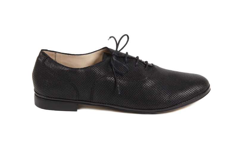 black perforated leather soft sacchetto women's  lace up oxford flat shoes in extended large sizes 9, 10, 11, 12, 13, 14 made in Italy main view