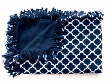 Black & White Quatrefoil Medium Blanket