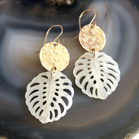 Mother of pearl monstera earrings (E548)