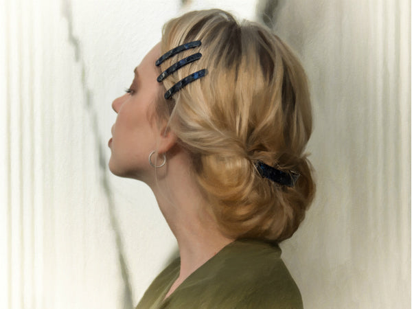 THE SECRET TO CREATING THE PERFECT FRENCH HAIR CLIP