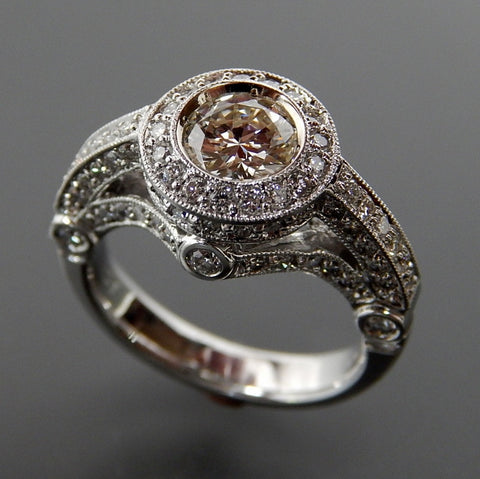 14kt White gold 0.80 Ctw center stone and 1.38 Ctw side diamonds engagement ring - size 6.5