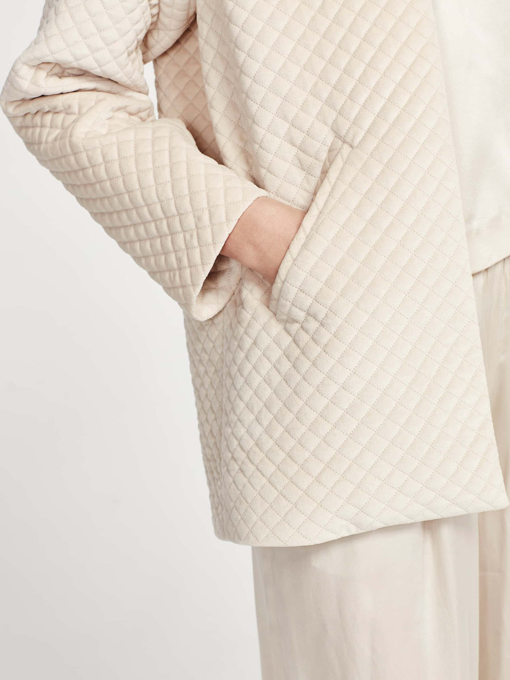 Smoking Jacket (Quilted Velvet) Chalk