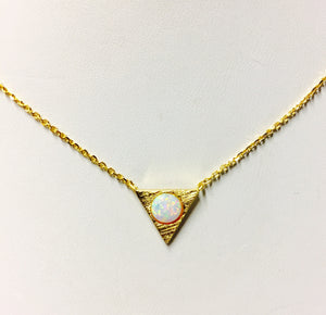 Opal Triangle Nk