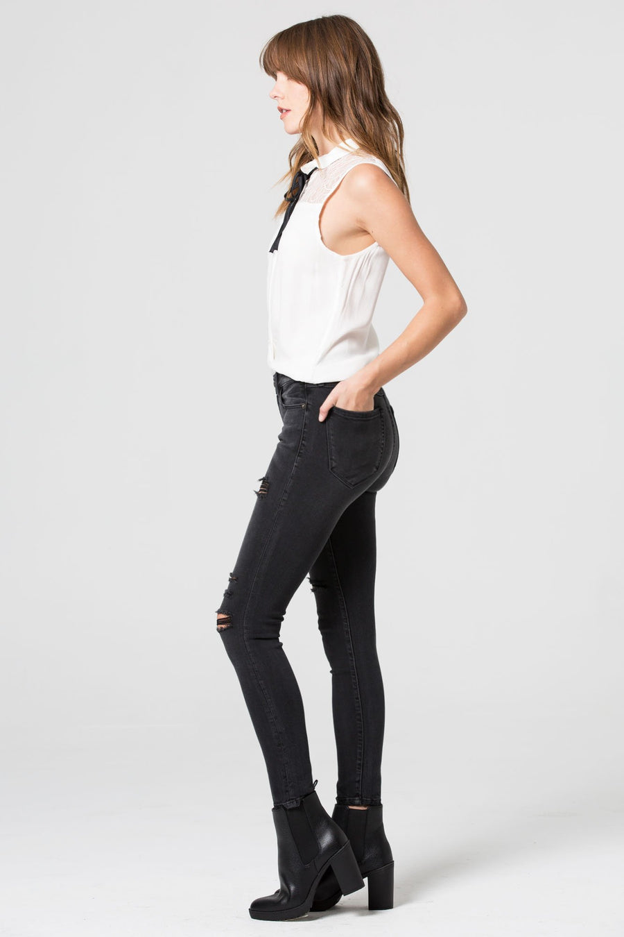 AMELIA <p/> Black Distressed Clean Hem Skinny