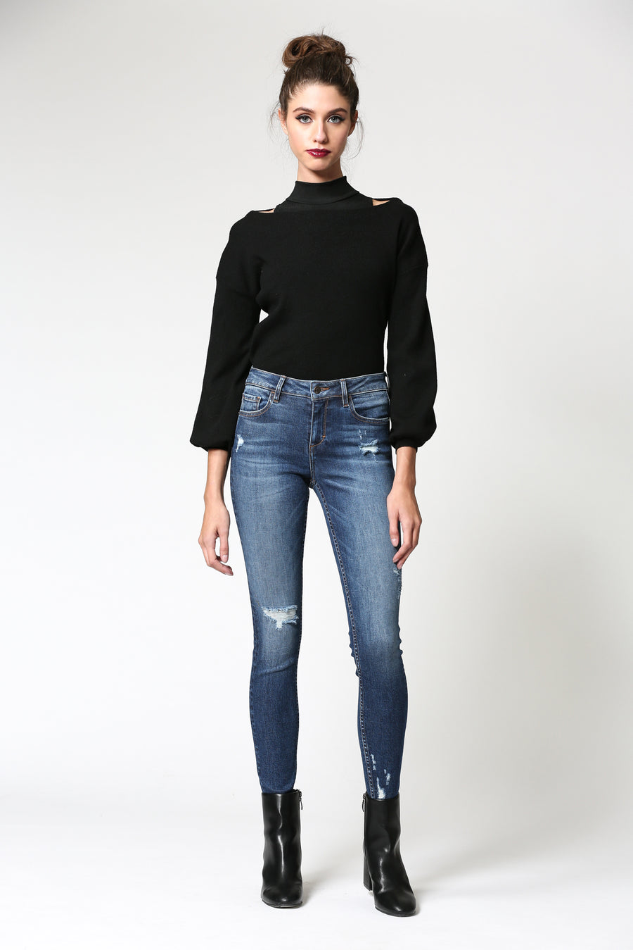 AMELIA <p/> DARK WASH MID RISE SKINNY WITH GRINDING