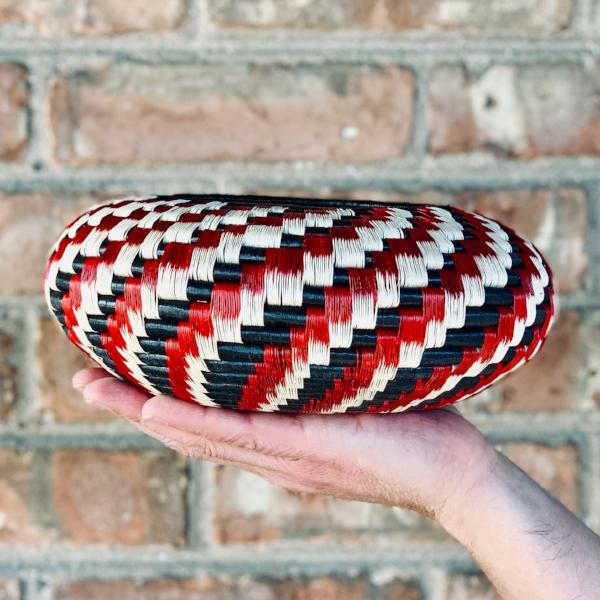 Wounaan folk art vase bowl basket woven