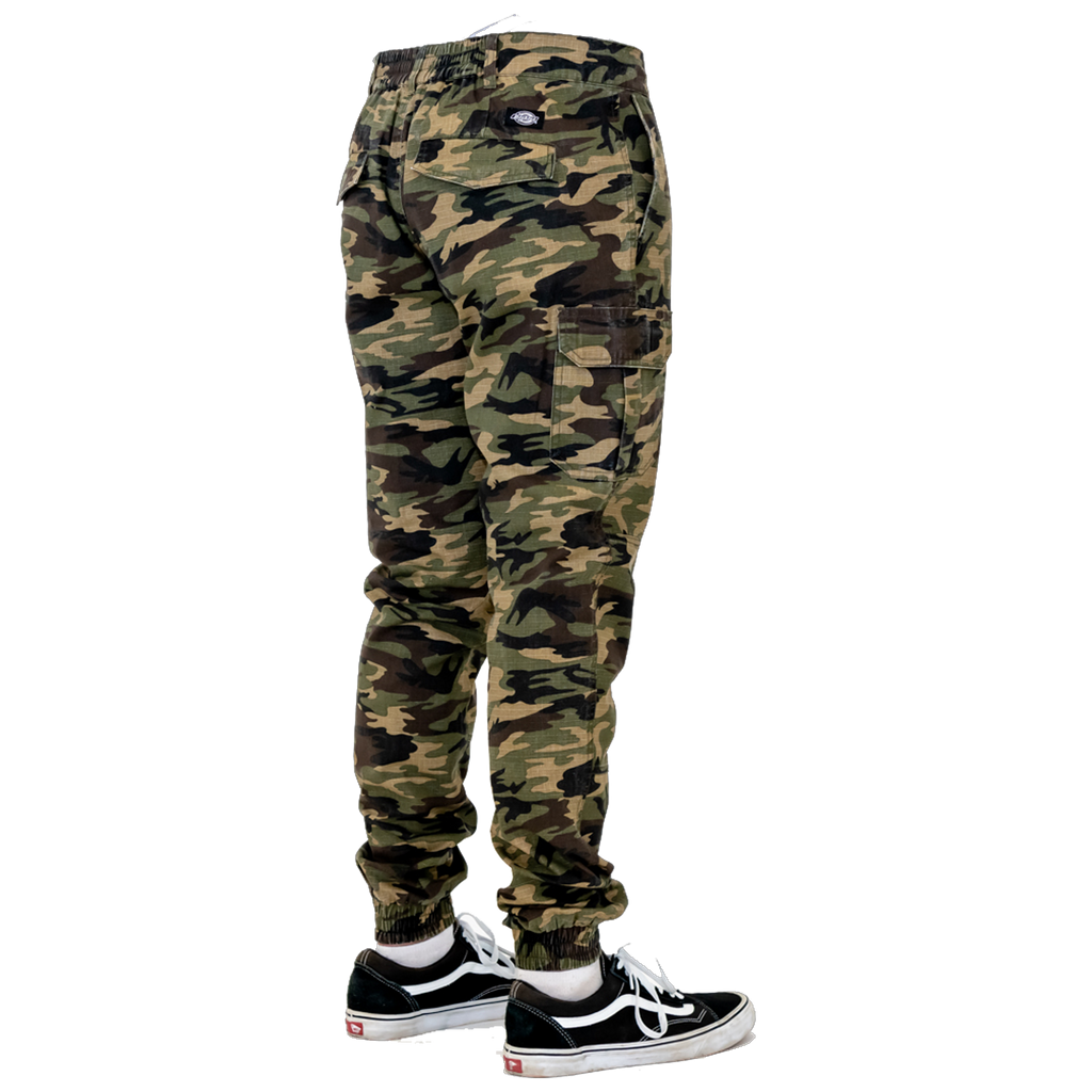 Slim Fit Cuffed Cargo Pants (Camo)