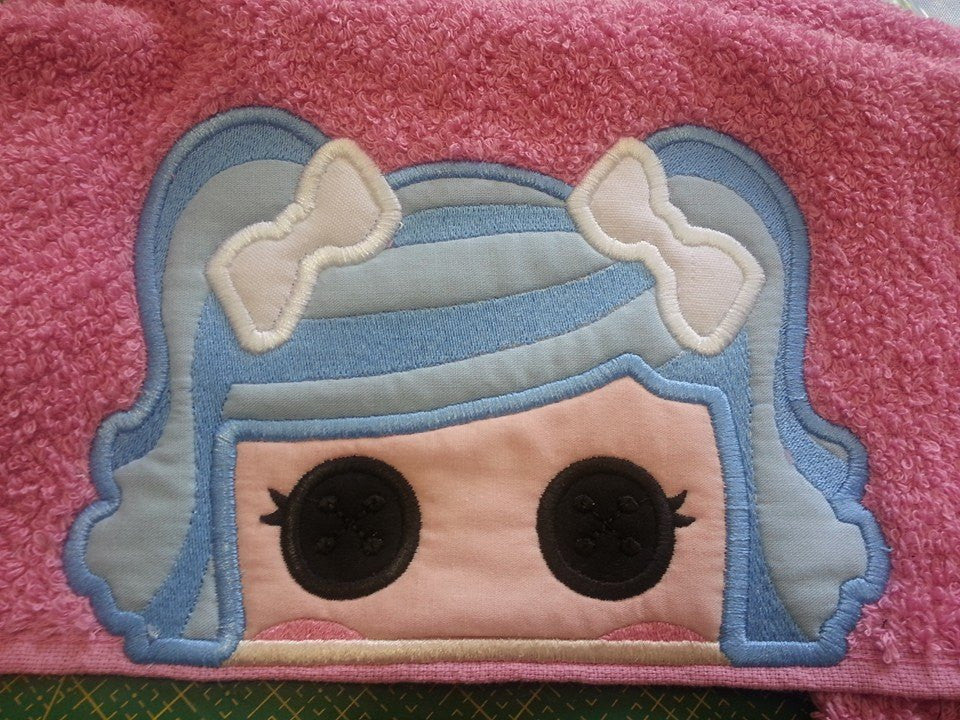 5x7 LALALOOPSY HEAD FOR HOODED TOWEL