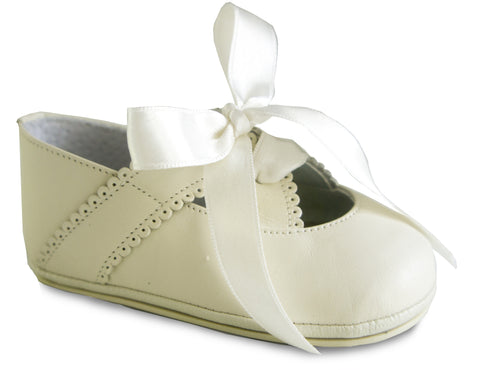 Elegant Patucos Infant Classic Beige Shoes for Girls