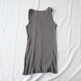adjustable sleeveless blouse