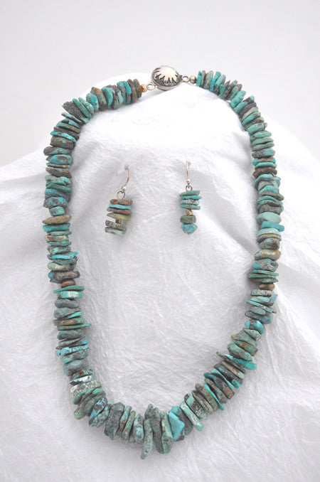 Schale Turquoise, Silver Findings, Sunshine Silver Magnet Clasp Necklace and Earrings Wire Earrings are schale Turquoise and silver