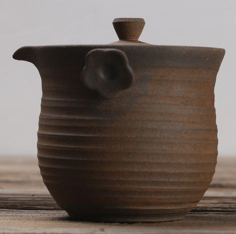 Convenient natural clay teapot