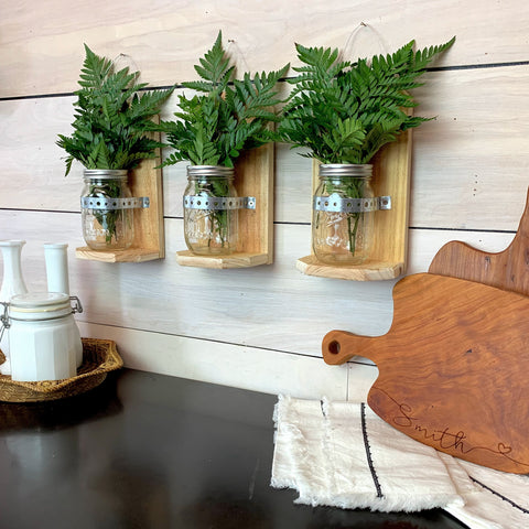 products/Pinecone_Home_MJ_Wall_Vase_Clamps_Ferns_SQ_2.jpg