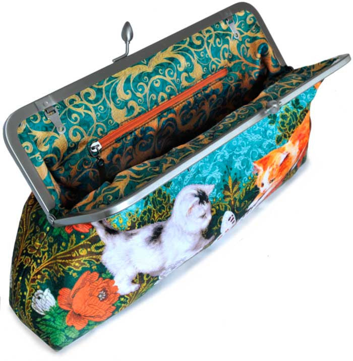 Victorian Kittens, 10 inch size clutch in dupion - Baba Store - 3