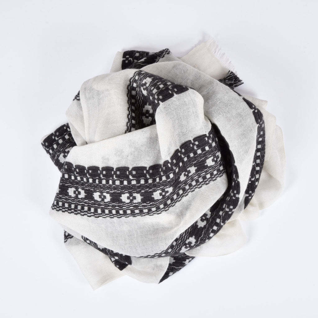 black and white himalayan cashmere scarf swirl