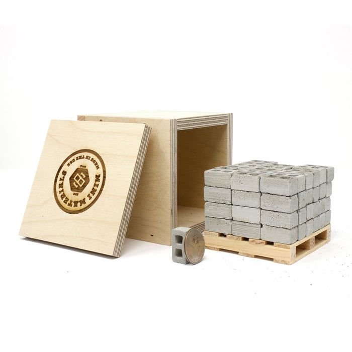 1:18 Scale Mini Cinder Block Pallet (72pk) + Mini Wood Crate