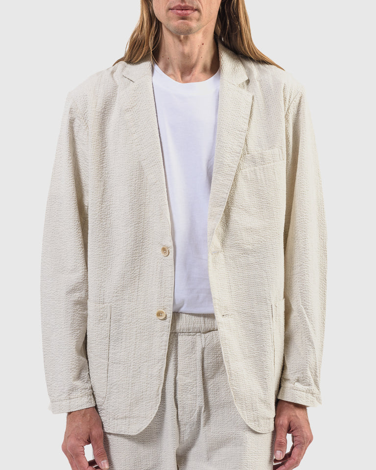 Seersucker Blazer in Salt