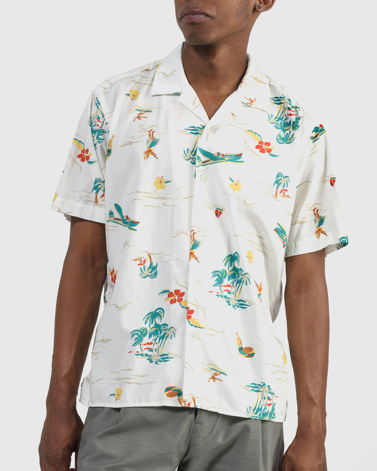 Shirt in White Surf and Turf Print