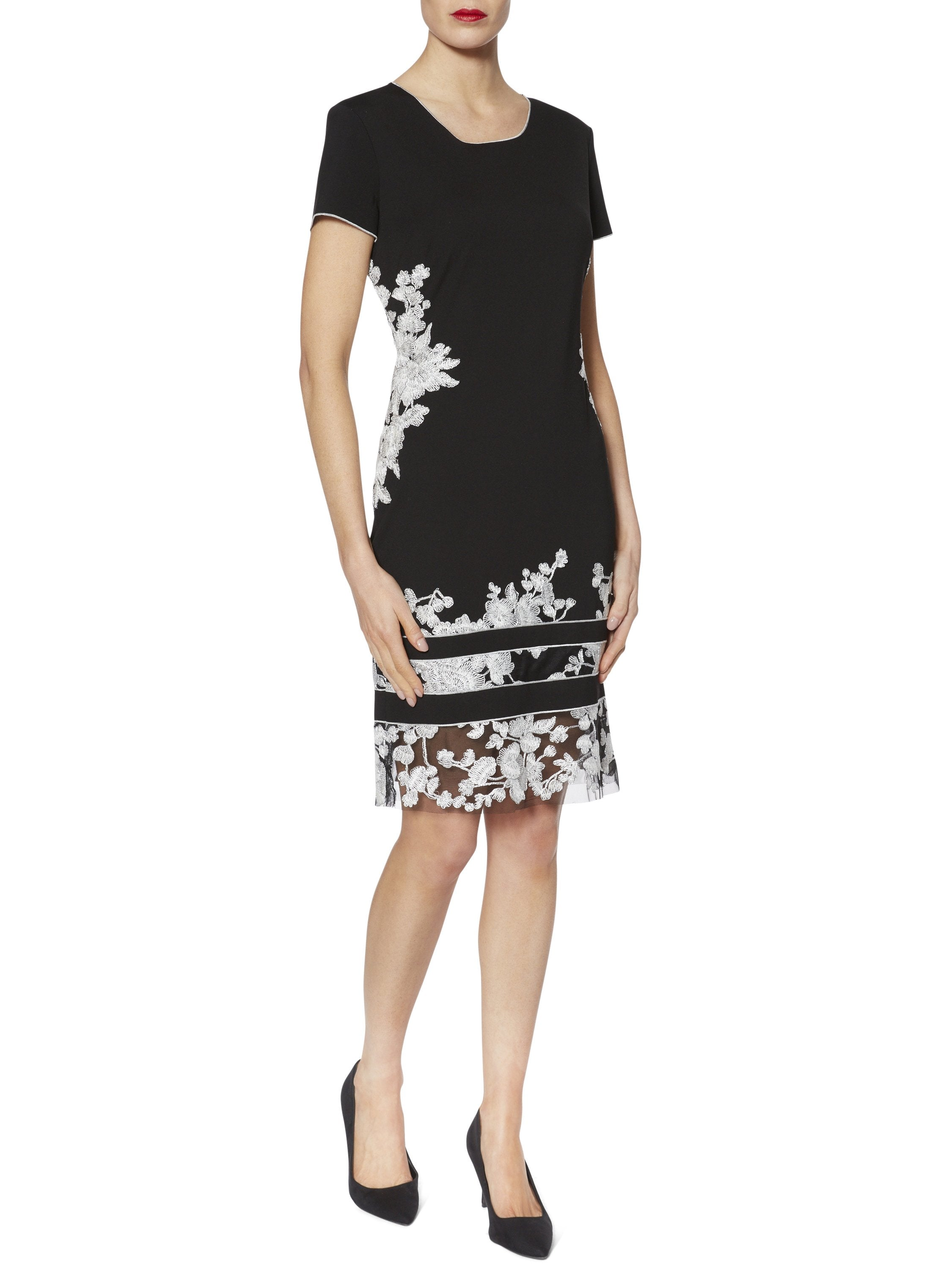 Gina Bacconi Black/White Joyce Floral Embroidered Dress