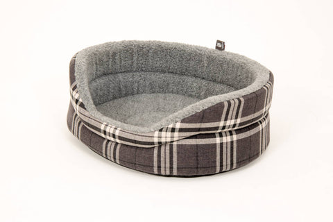 Pet luxury avondale dog bed gleneages collection round charcoal grey checked fleece lined