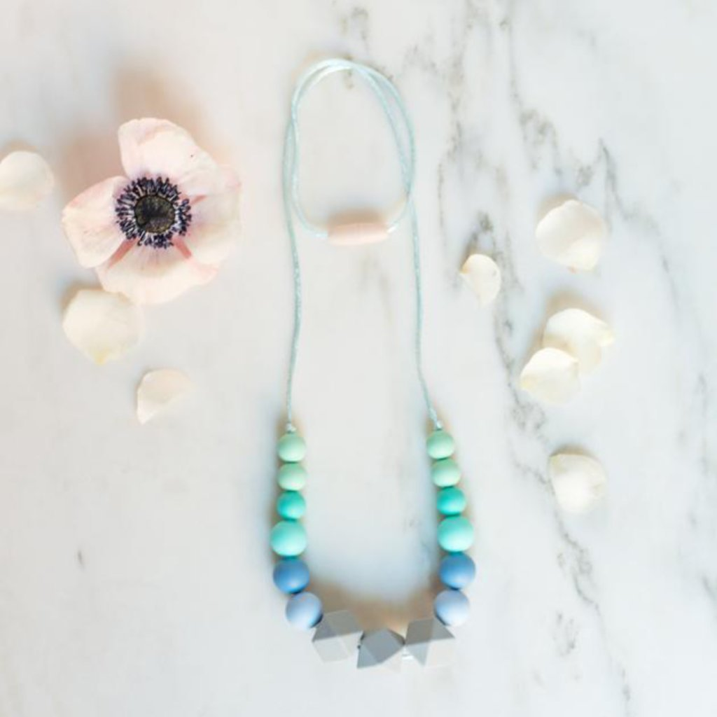 Teething Necklace in Blue Ombre