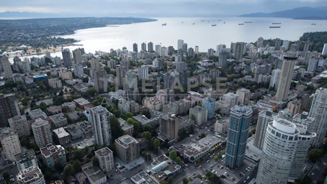 Time-lapse Vancouver: Cityscape From W Georgia St