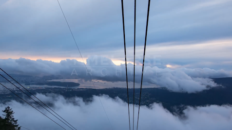 Time-lapse Vancouver: Grouse Mountain Skyride