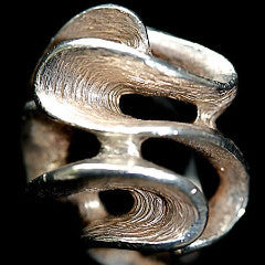 A Wind And Wave Freedom Ring