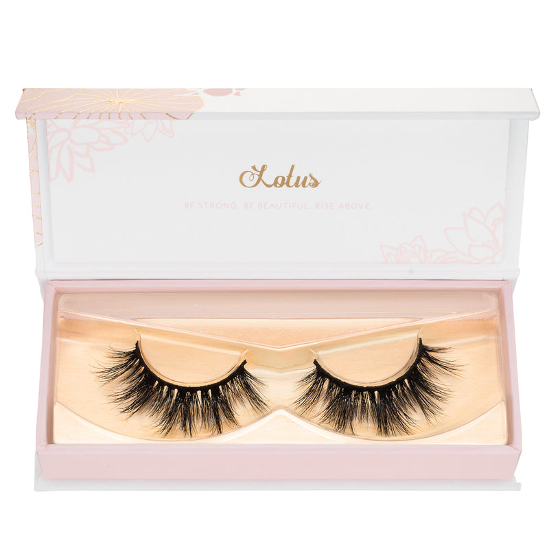 4 tips for choosing your first pair of false lashes