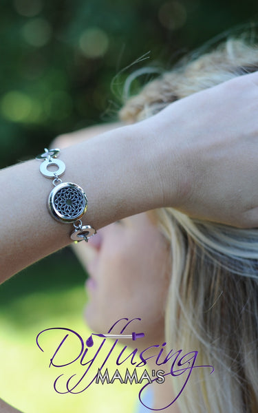 Round Silver Lotus Flower (25mm) with Circle Band Aromatherapy / Essential Oils Diffuser Locket Bracelet