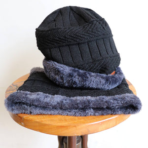 Minky Knit Beanie Hat & Neck Warmer set. Black.
