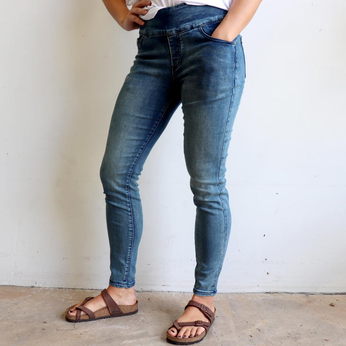 Shaper Denim Pull-on Jeans