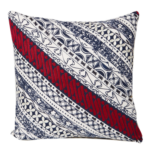 Diagonal size 18x18in cushion.