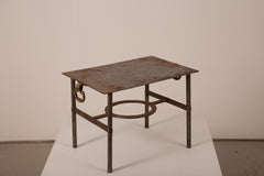 VINTAGE 0004 - Metal table