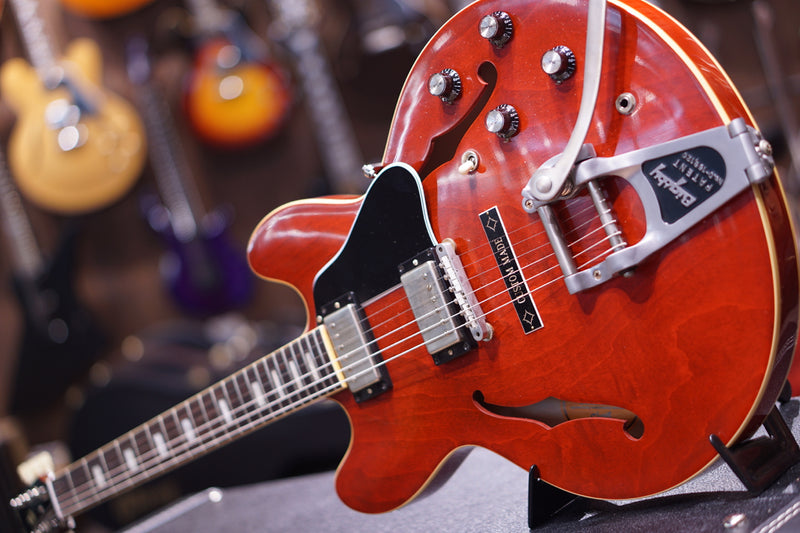 Gibson Memphis 1963 ES-335TDC VOS Bigsby Sixties Cherry w/Custom Made Plate