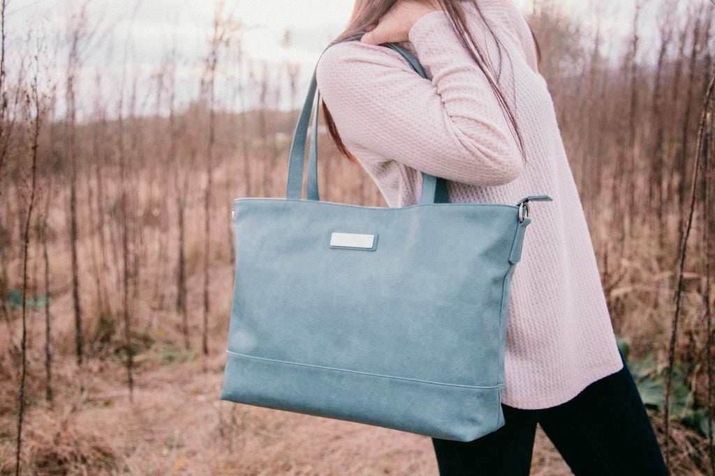 NEW-  Roam and Rise Carryall -Waterbound