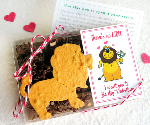 Recycled Ideas Favors plantable paper lion with card and gift box