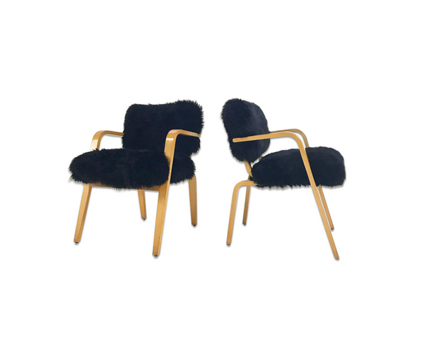 Armchairs in New Zealand Sheepskin, pair - FORSYTH