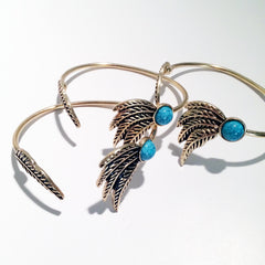 Dust me lightly open bangle feather bracelet with resin stone