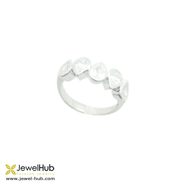 Pretty Diamond Stones Ring