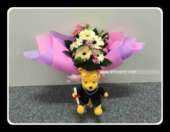 Graduation Pooh w Fresh flower Bouquet II  - FBQ1368