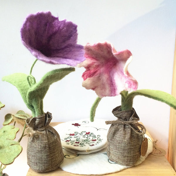 Handmade Wool Needle Felted Ornaments Home Decoration- Warm Pink Petunia